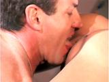Téléchargement de Sexe et acrobaties avec une superbe brune