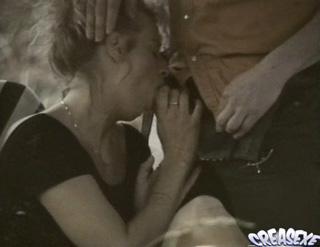 Téléchargement de Un mec voyeur baise une femme