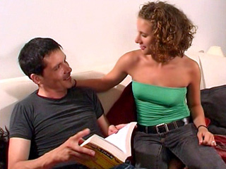 Téléchargement de Ana la coquine mange la grosse bite d'un ami