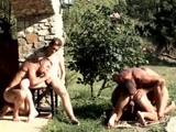 Téléchargement de Partouze entre hommes dans un cadre de rêves